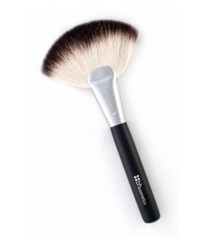 BH Cosmetics Deluxe Fan Brush (BHB16)